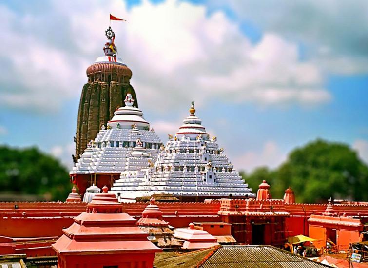 how to reach kashi vishwanath temple by train