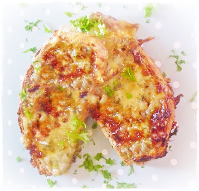 stilton on toast with caramelised hone