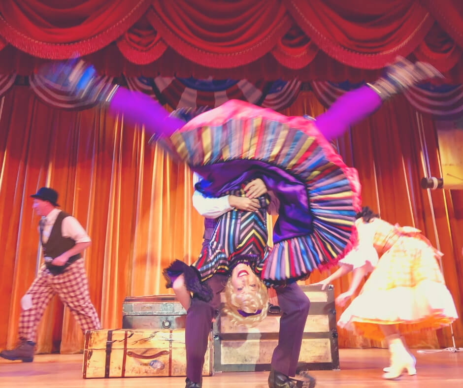 Dancing people in the show Hoop De Doo Musical Revue in Walt Disney World.