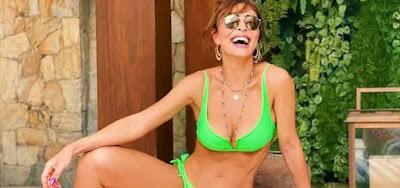 Juliana Paes De biquíni verde, enlouquece fãs em dia de piscina