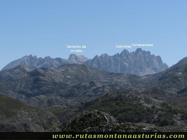 Ruta Lagos de Covadonga PR PNPE-2: Vista del Torrecerredo desde el Mosquital