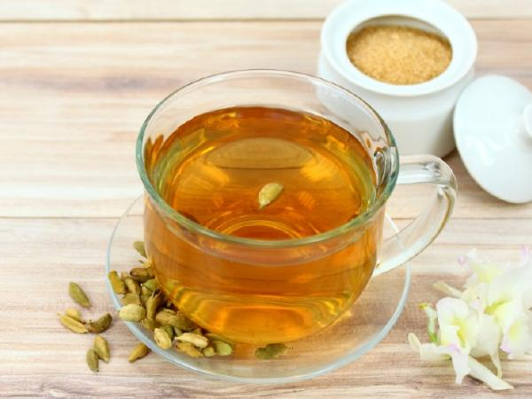 Cardamom Water To Lose Weight: 4 Ways In Which This Naturopathy Drink Can Help