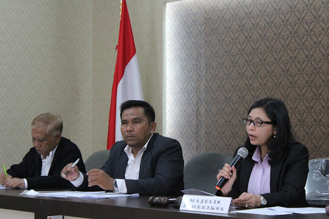 Ketua Majelis Sidang DKPP, Ida Budhiati memimpin jalannya persidangan