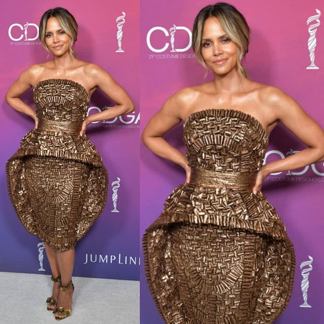 HalleBerry Kills It On The Red Carpet In This Gold Sebastian Gunawan Couture Dress.
