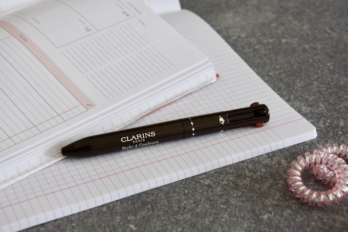 Back to School: la penna a 4 colori di Clarins