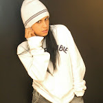Andrea Rincon, Selena Spice Galeria 19: Buso Blanco y Jean Negro, Estilo Rapero Foto 14