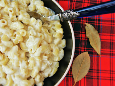 Mac and Cheese with a creamy cauliflower cheese sauce. Veggie and vegan options. A quick family recipe that tastes wonderful.