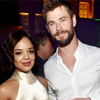 Chris Hemsworth ve Tessa Thompson