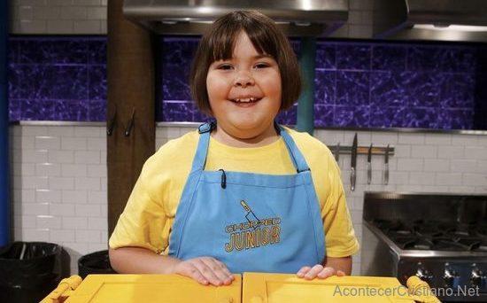 Niña gana premio en concurso de gastronomía