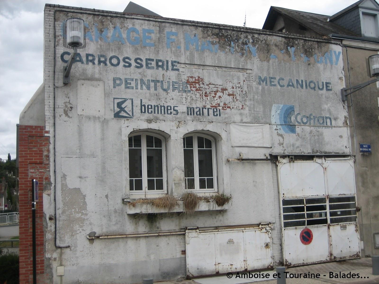Les murs peints s 39 affichent enseignes amboisiennes opus 2 for Garage automobile le cannet