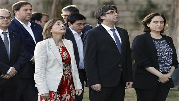 Puigdemont reitera su compromiso cívico y de paz en Cataluña