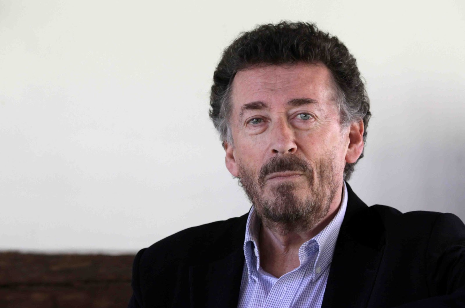 photo Robert Powell (born 1944)