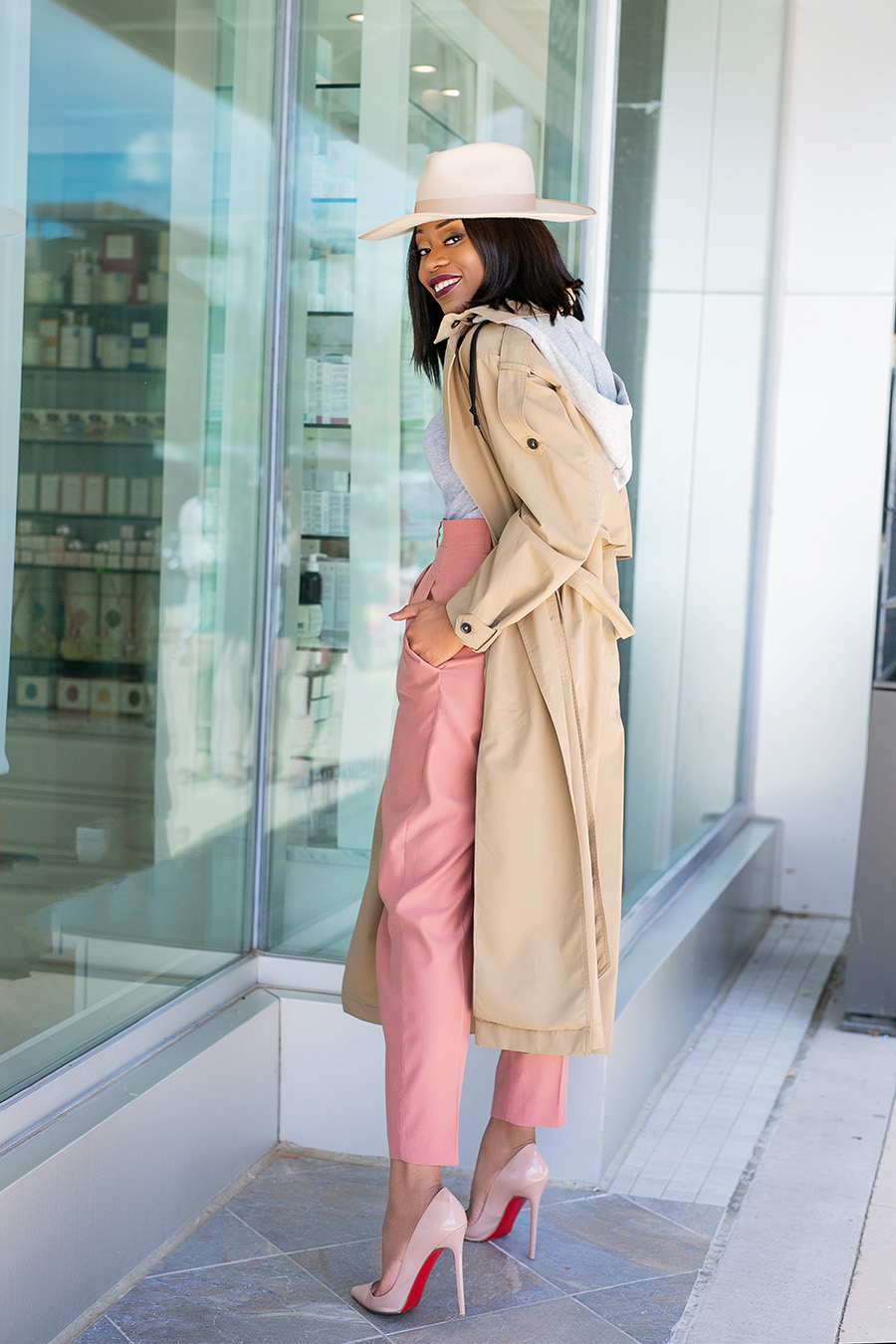 stella-adewunmi-of-jadore-fashion-shares-zara-trench-coat-wool-hat-for-fall-work-style