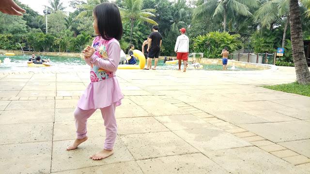 Baju renang anak muslim Fira