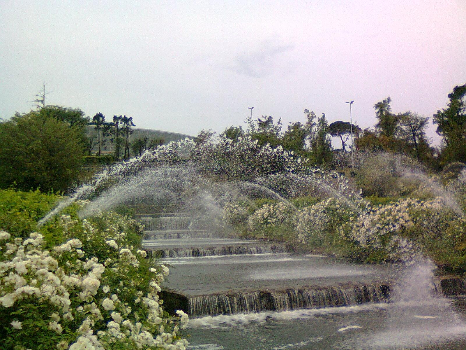 In bici per roma ha riaperto il giardino delle cascate for Cascate in giardino