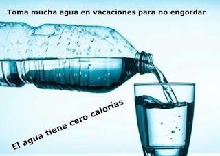 Tomar agua para no engordar en vacaciones