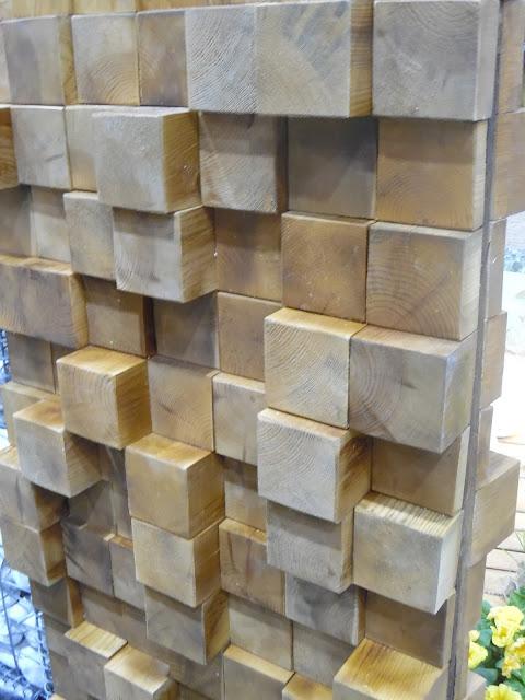 drewniana ścianka