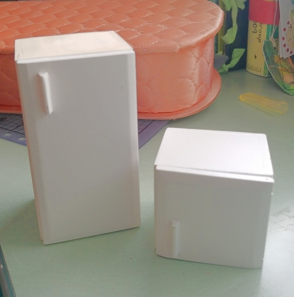 making dollhouse miniatures fit a smaller dollhouse