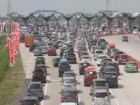 Jika Antrean Lebih 5 Kilometer, Gerbang Tol Cikarang Utama Gratis