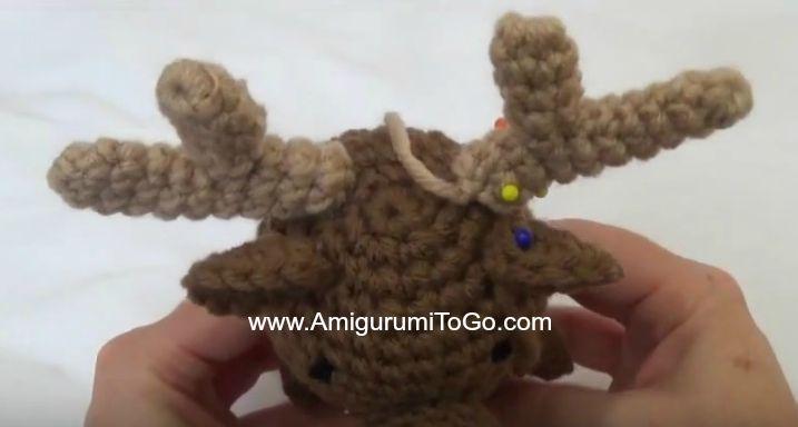 Amigurumitogo Moose : Wee moose and his girlfriend amigurumi to go