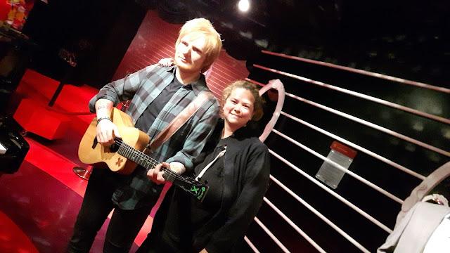 Selfie mit Ed Sheran im Madame Tussauds Amsterdam