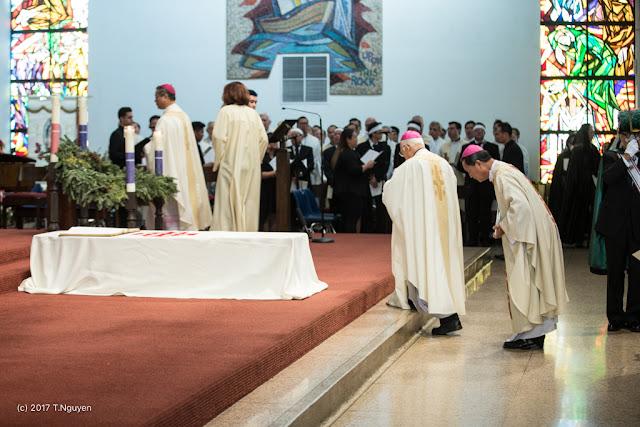 Hình ảnh thánh lễ an táng Đức Cha Dominicô Mai Thanh Lương - Ảnh minh hoạ 9