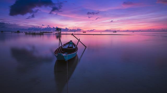 40 Kata Kata Caption Kapal Perahu Berlayar dan Belabuh di Dermaga Cinta