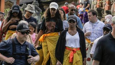 Obama, Barack Obama, Obama in Bali, Barack Obama holiday in Bali, Tirta Empul Tempel, Balinese Hindu temple, Balinese Hindu, Jokowi, Candi Prambanan,