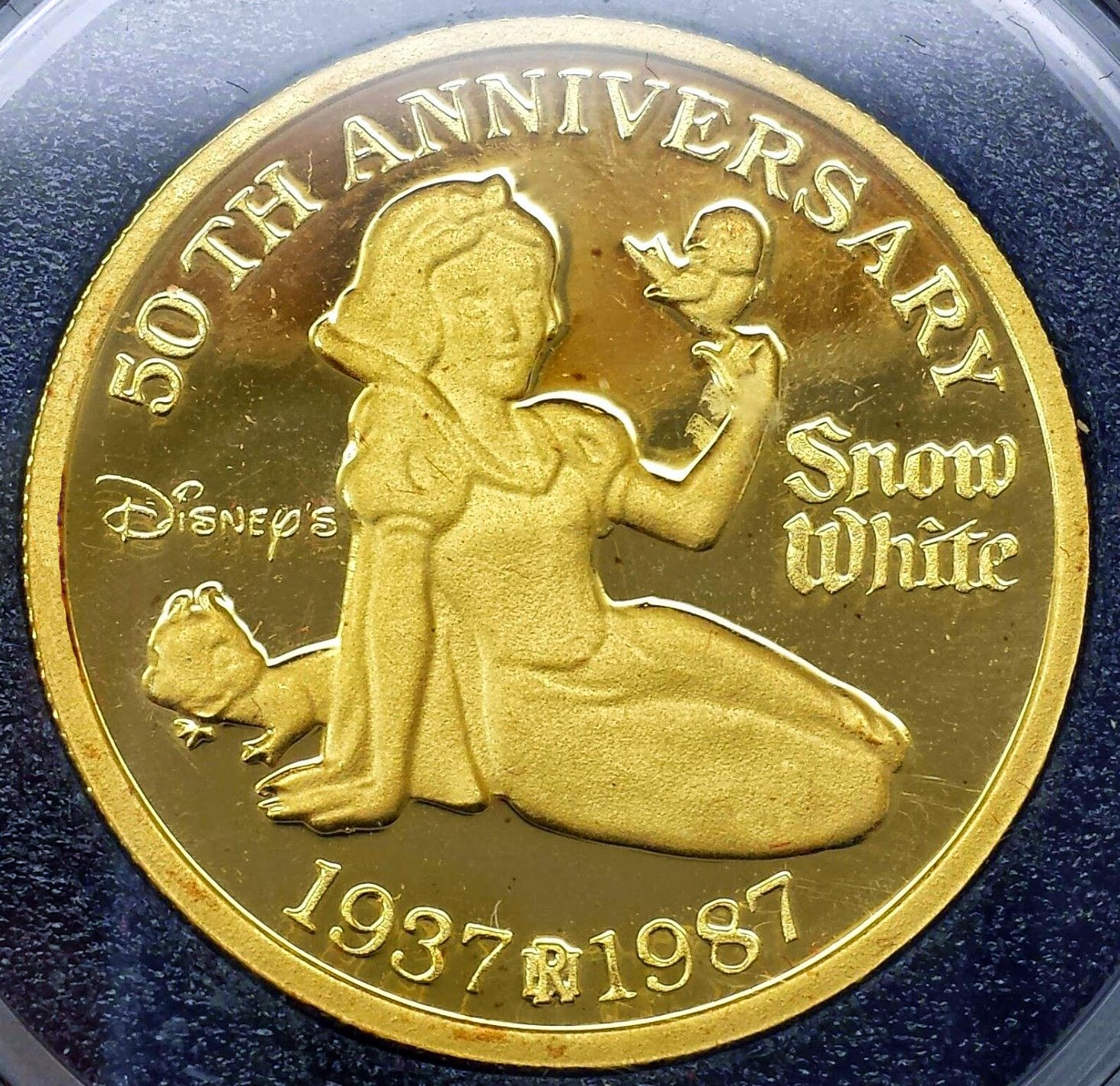 Filmic Light Snow White Archive Commemorative Coins 50th Anniversary 1987