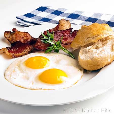 Fried egg on plate 3D Model .max .obj .3ds .fbx .c4d .dae ...  |Fried Eggs On A Plate