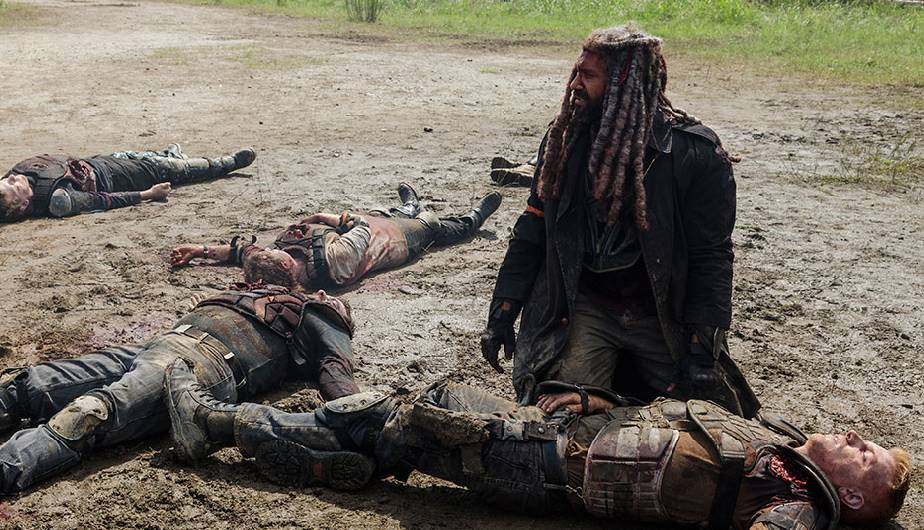 Ezekiel y Daniel en el episodio 8x04 Some Guy de The Walking Dead