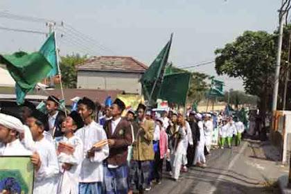 1000 Santri Al Fatich, Penuhi Pantura Surabaya Gresik