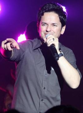 Foto de Danilo Montero en el escenario