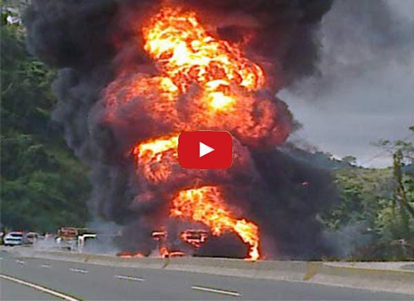 Se incendia una gandola en la ARC y la gente saquea otra