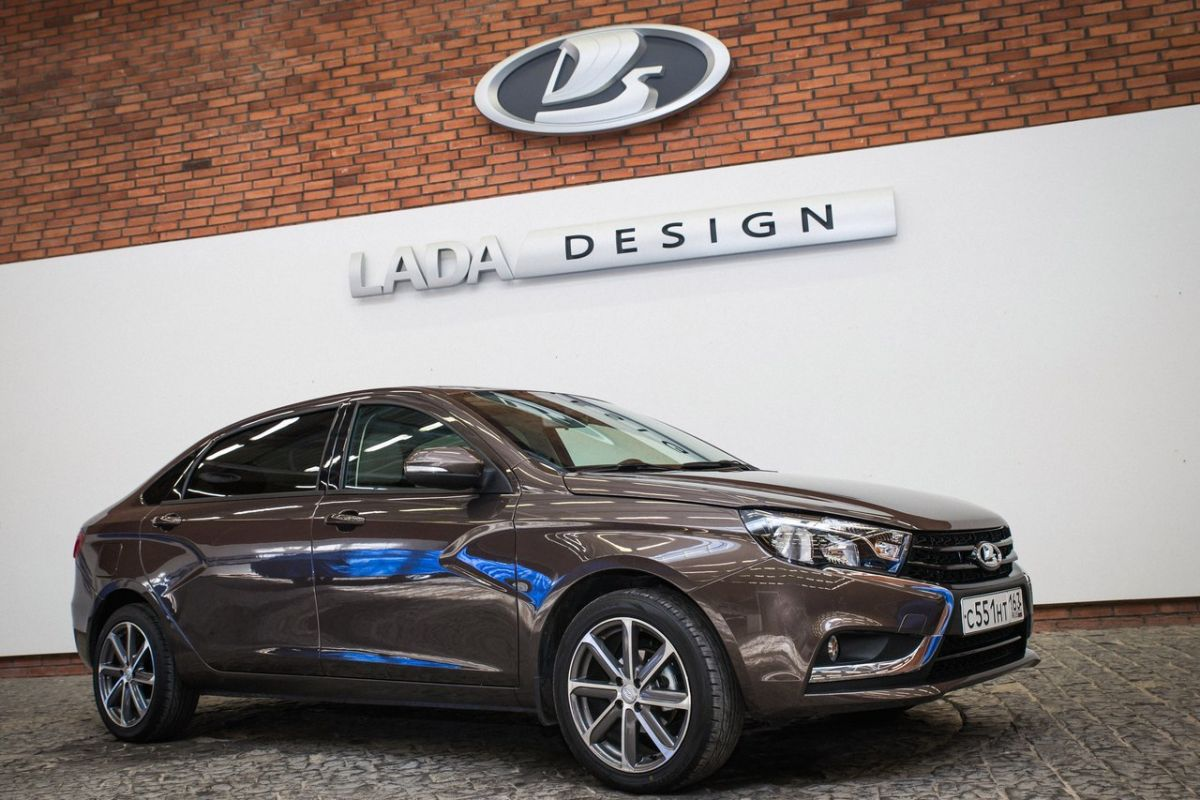 All New Alphard 2016 Grand Avanza Veloz Luxury Lada Vesta Signature Is The Poor Man's Corporate Limo ...
