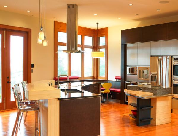 Mungkin Anda memiliki ruang kecil atau besar di dalam rumah 10 model Desain Kombinasi Dapur dan Ruang Makan Modern