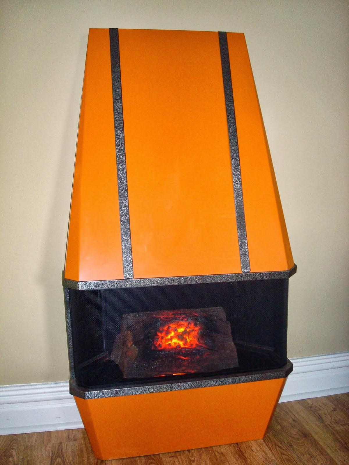 Era Antiques 1970 180 S Urban Cool Geometric Orange Hooded
