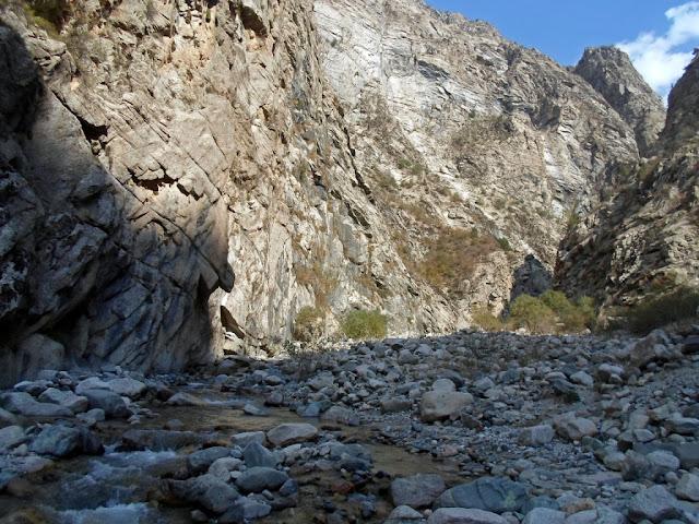 Ущелье с водопадом на 50 километре, Варзоб, Горы Таджикистана - фото-обзор похода