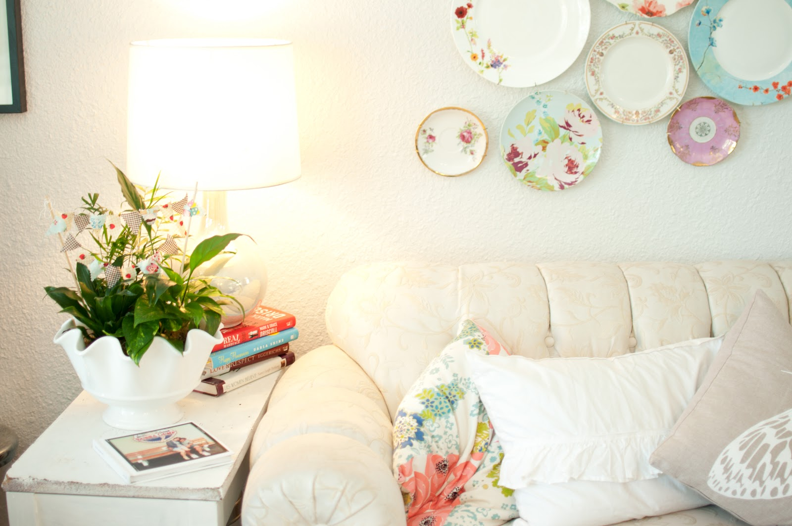 Domestic Fashionista: Decorating With House Plants