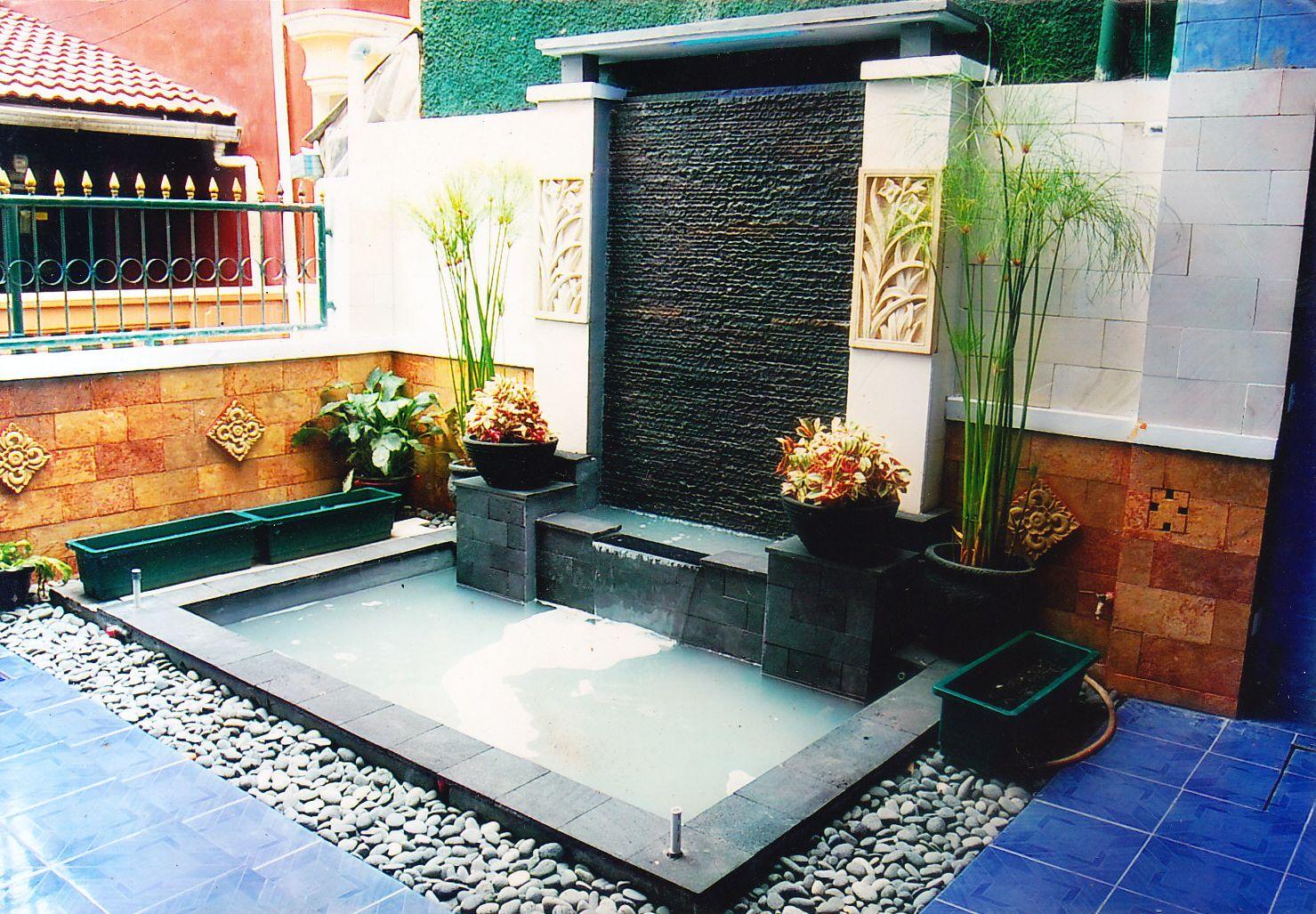 HENDRI FLORA kolam minimalis taman belakang
