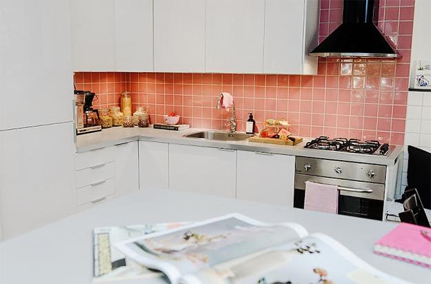 Apartamento de 65m²: azulejos cor de rosa