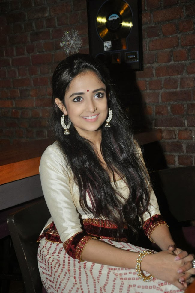 Monali Thakur Indian Idol at Launch Audio Lakshmi Photos ...
