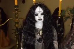 Seram!! Ini Koleksi Boneka-Boneka Menyeramkan Milik Roy Kiyoshi