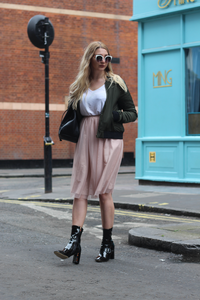 how to style midi skirt fashion blog