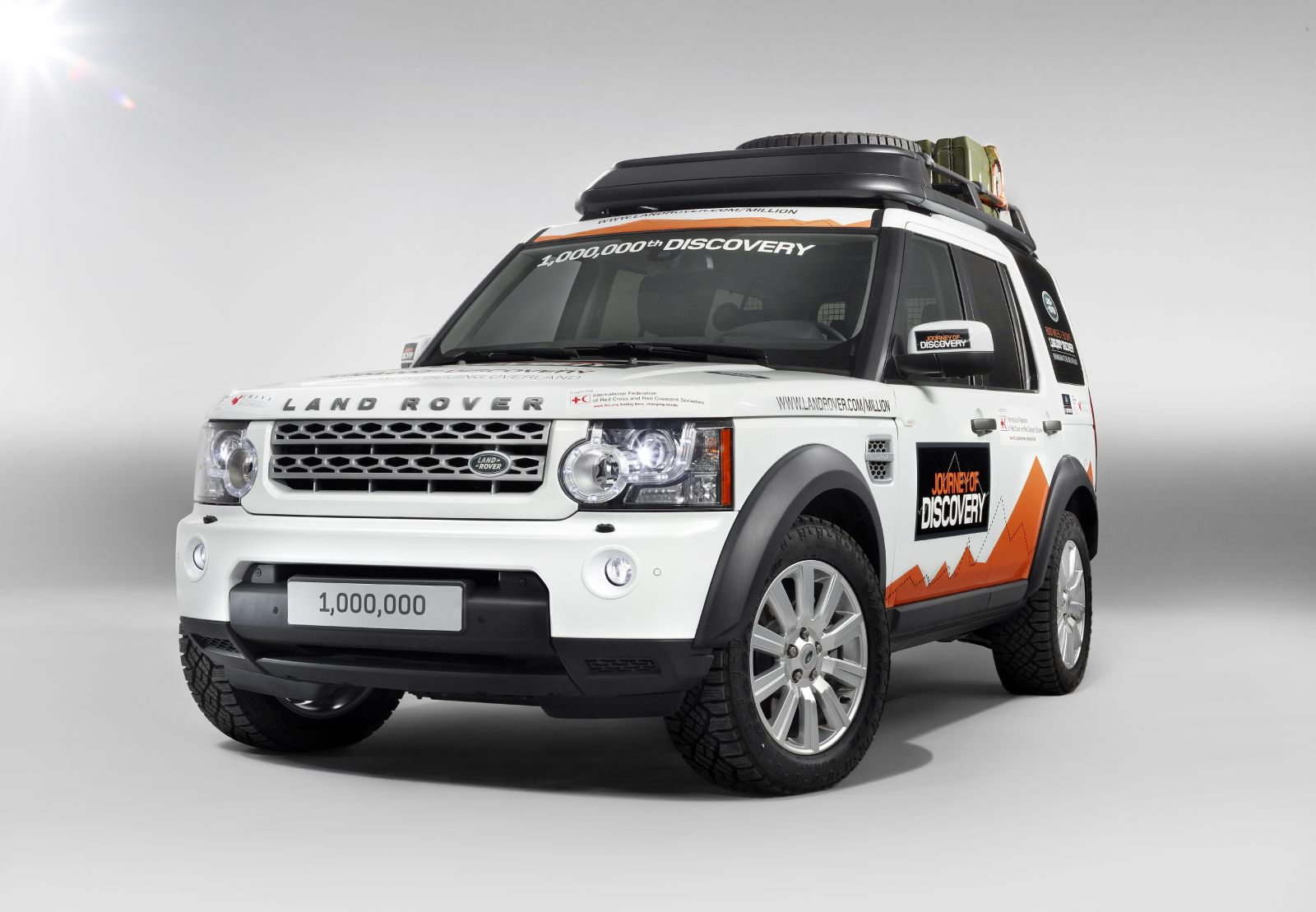 daily cars 1 000 000th land rover discovery embarks on. Black Bedroom Furniture Sets. Home Design Ideas