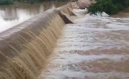 chuvas barragem sangra