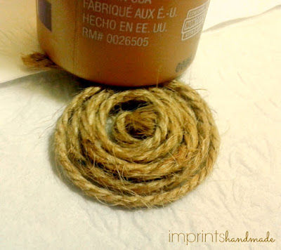 Jute rolled into disc for bird nest plastic bottle cap magnet