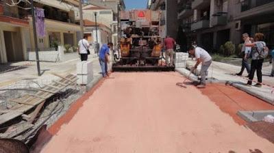 Οι πολύχρωμοι δρόμοι των Σερρών που απορροφούν τη θερμότητα