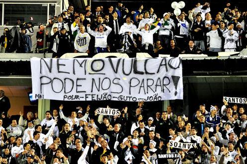 Torcida do Santos na final da Libertadores em Montevidéu