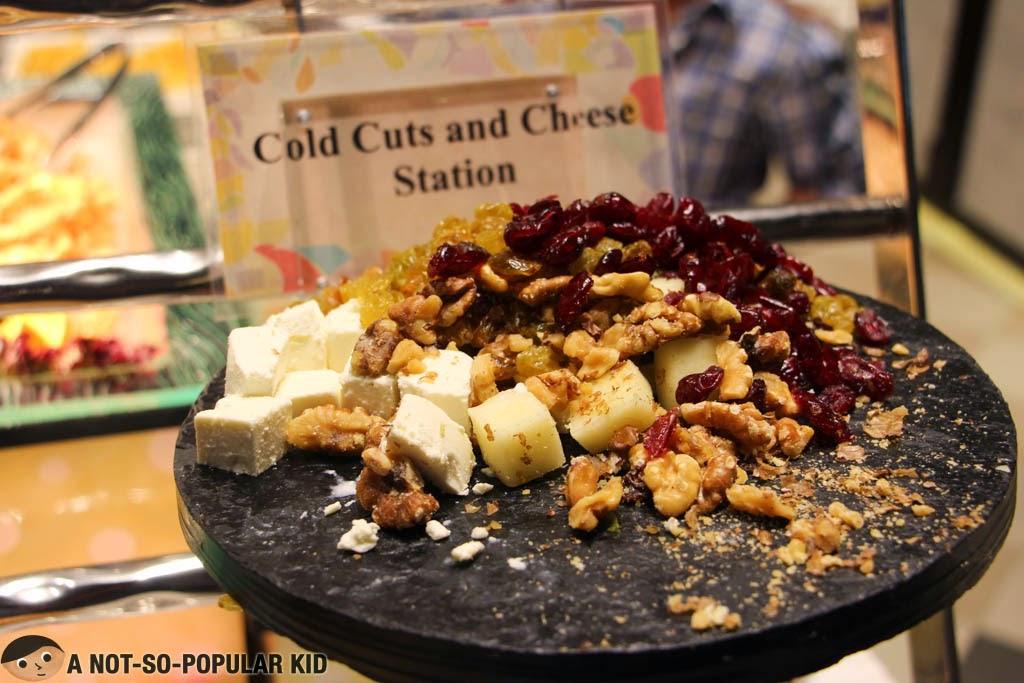 Cheese, nuts and raisins for appetizer - Vikings SM Jazz